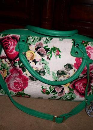 Бомбезная яркая вместительная сумка, цветы