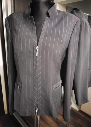 Пиджак жакет на молнии в полоску