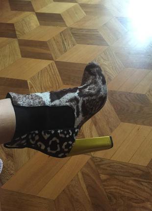 Оригинальные ботинки fendi