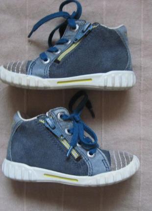 Ecco (22) кожаные ботинки детские