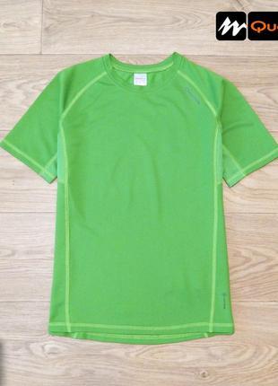 Легкая спортивная футболка quechua 11 лет, 146 см. идеальное состояние