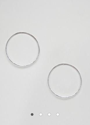 Серебристые серьги-кольца гвоздики