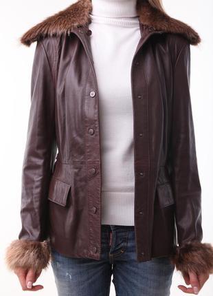 Продам оригинальную кожаную куртку gf ferre (оригинал) с подстежкой из натурального меха