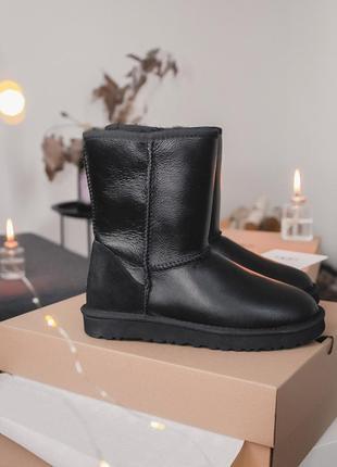 Ugg short ii black leather натуральные женские зимние сапоги угги чёрные зима овчина