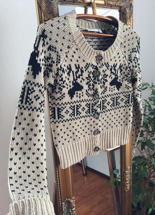Новогодний свитер с оленями s/xs