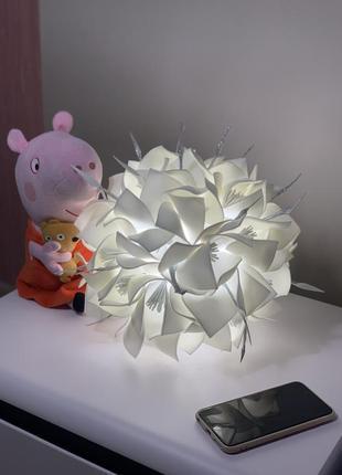 Прикроватный ночник цветок в спальню, детскую. светодиодный светильник гортензия на стол