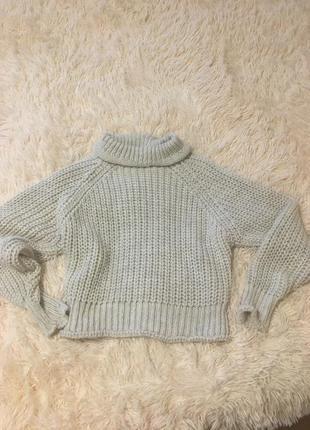 Тёплый укороченый свитер