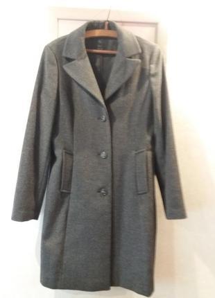 Добротное клвсическое пальто чистая шерсть от milestonne