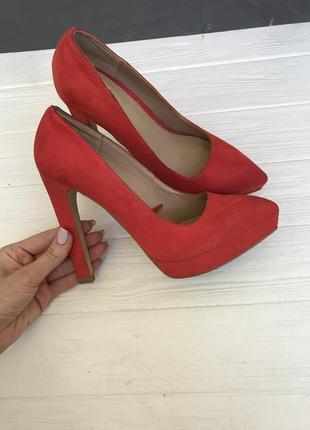 Красные туфли zara trafaluc 37р