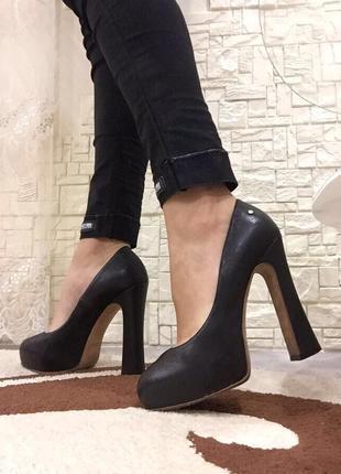 Кожаные туфли на высоком каблуке justcavalli