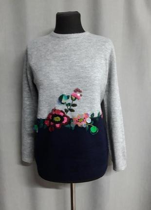 Удлиненный теплый комбинированный свитер с вышивкой bluoltre