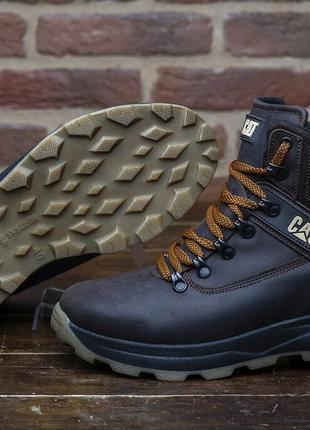Зимние кожаные ботинки на меху cat winter ranger коричневые