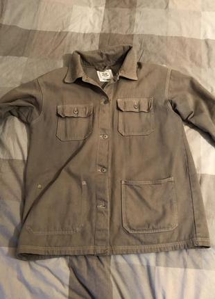 Стильная удлиненная рубашка куртка из плотного джинса