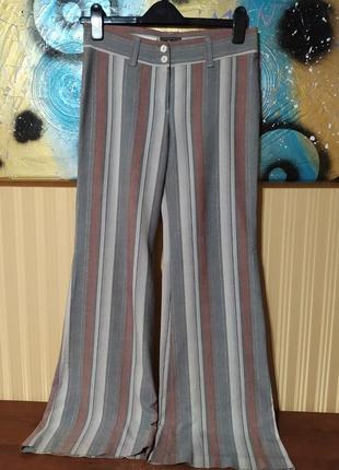 Классические серые брюки в полоску