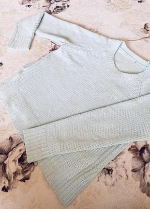 Нежный свитер мятного цвета