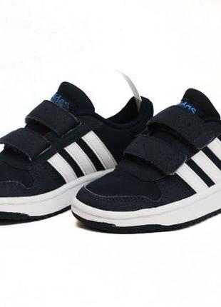 Кроссовки adidas. размер 28