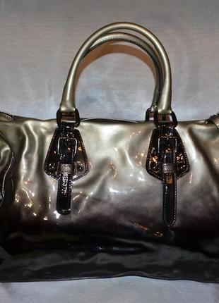 Красивая лаковая кожаная сумка firenze