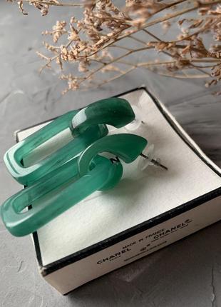 Акриловые серьги зеленые
