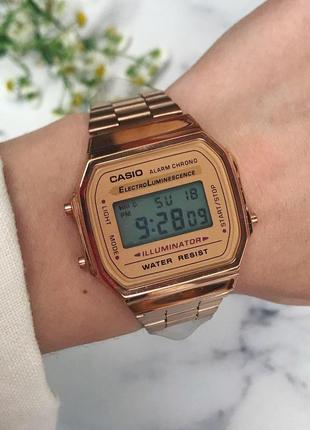 Наручные часы электронные в цвете розовое золото ретро