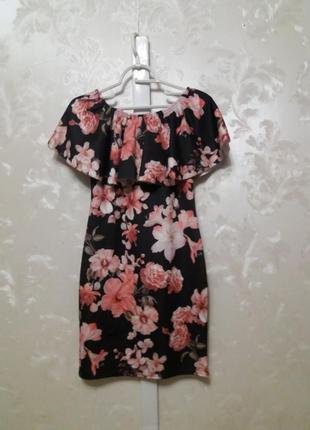 Красивейшее платье в цветочный принт со спущенными плечами и воланом krisp