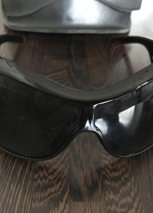 Очки солцезащитные