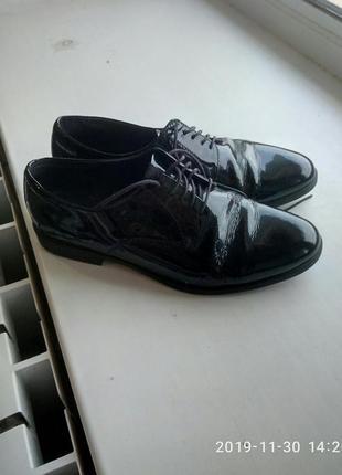 Лаковые туфли vagabond