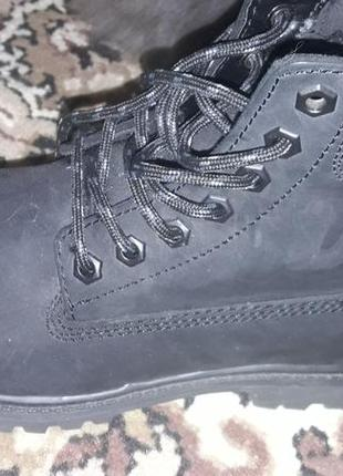 Классные фирменные зимние ботинки.
