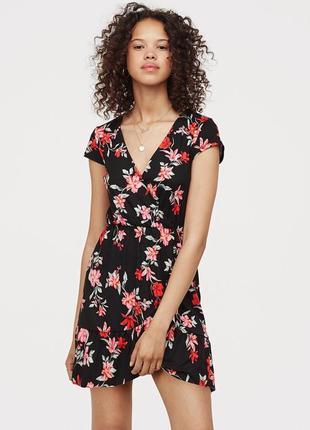 Цветочное платье с рюшками h&m 34 36
