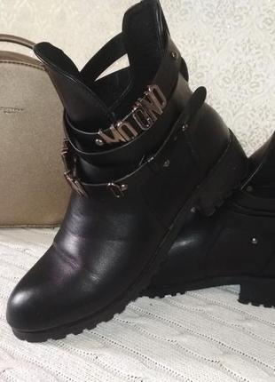 Ботинки полусапожки боты moschino