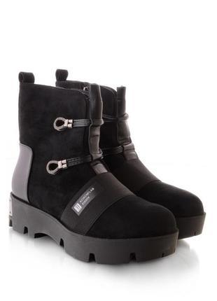 Стильные женские ботинки зимние берцы на тракторной подошве
