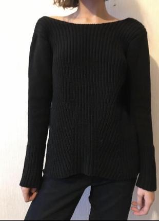 Чёрный свитер zara с открытой спиной