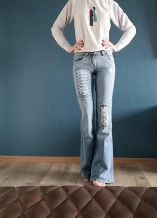 Крутые котоновые джинсы клёш. джинсы клеш котоновые 26