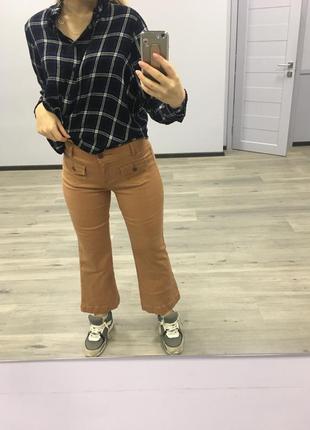 Коричневые штаны клеш укорочённые