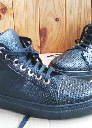 Стильные полностью кожаные итальянские сникерсы высокие кеды daniella ботинки