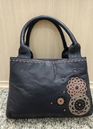 Кожаная дизайнерская сумка от debenhams