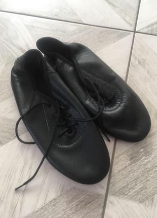 Джазовки!!! чешки. кожаные джазовки. чешки на шнурках.
