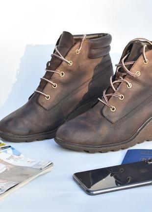 Timberland женские ботинки деми на танкетке коричневые кожаные размер 40