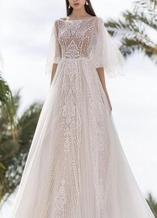Невероятно красивое свадебное платье