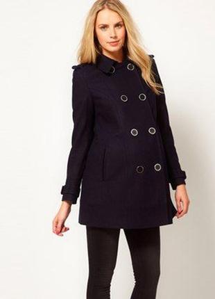 Оригинальное двубортное пальто на беременных