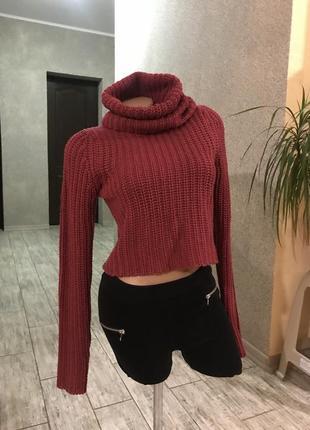 Стильный свитер кроп