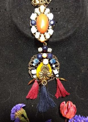 Яркое, шикарное ожерелье