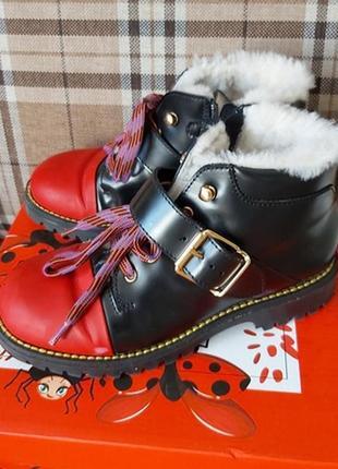 Ботинки зимние на девочку на овчине gallucci разм. 32