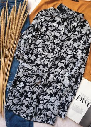 Красивая удлиненная блуза рубашка в листьях