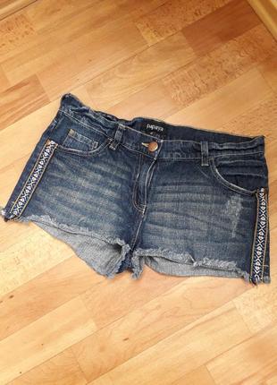 Джинсовые шорты с вышивкой от papaya 40(12)м-л