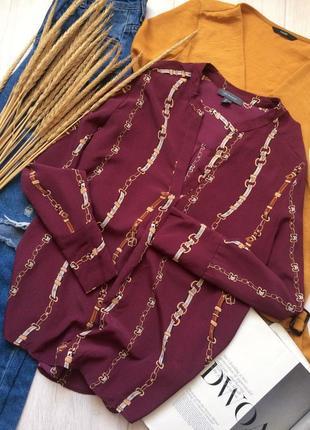 Красивая блуза винного цвета с принтом