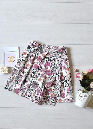 Красиві шорти в квіти h&m