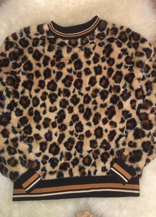 Шикарнейший свитерок привезён из европы