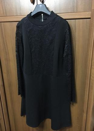 Чорне плаття з кружевом
