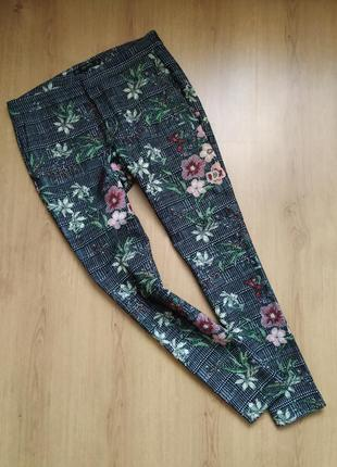 Плотные штанишки в цветы от zara
