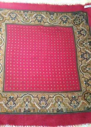 Шерстяной платок , размер 75х73см.
